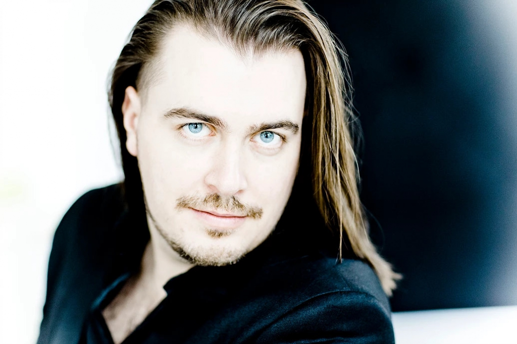 "Read Dmitry´s interview on ""Scherzo"""
