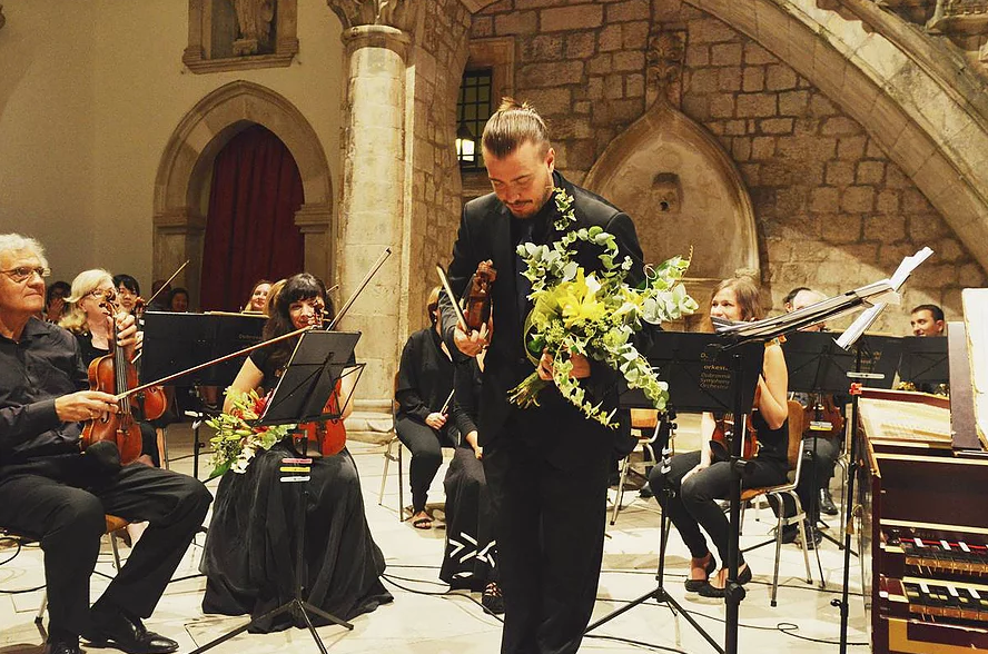 Dmitry Sinkovsky appeared as an artistic director of the Orlando Furioso Baroque Cycle which took place in Dubrovnik